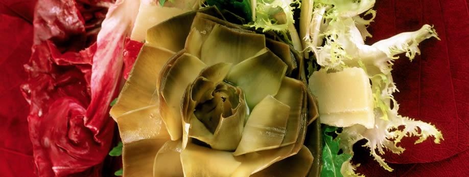 Cuore di carciofo con insalata e parmigiano